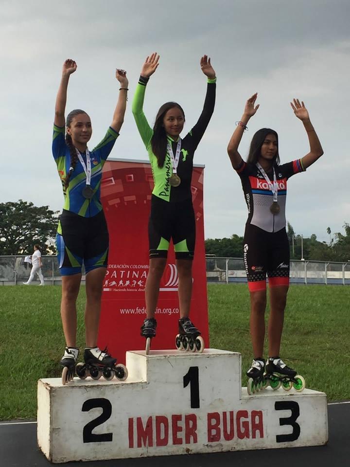 Sara Juliana Moreno, en el primer puesto del podio.