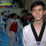 A punta de patadas y sacrificio joven bogotano representará al país en Mundial de Taekwondo