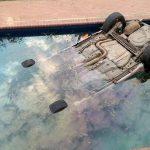 Salieron a comer pizza y terminaron en la piscina