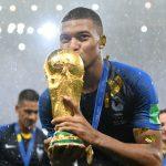 Mbappé pide ganar la Champions League por su cumpleaños número 20